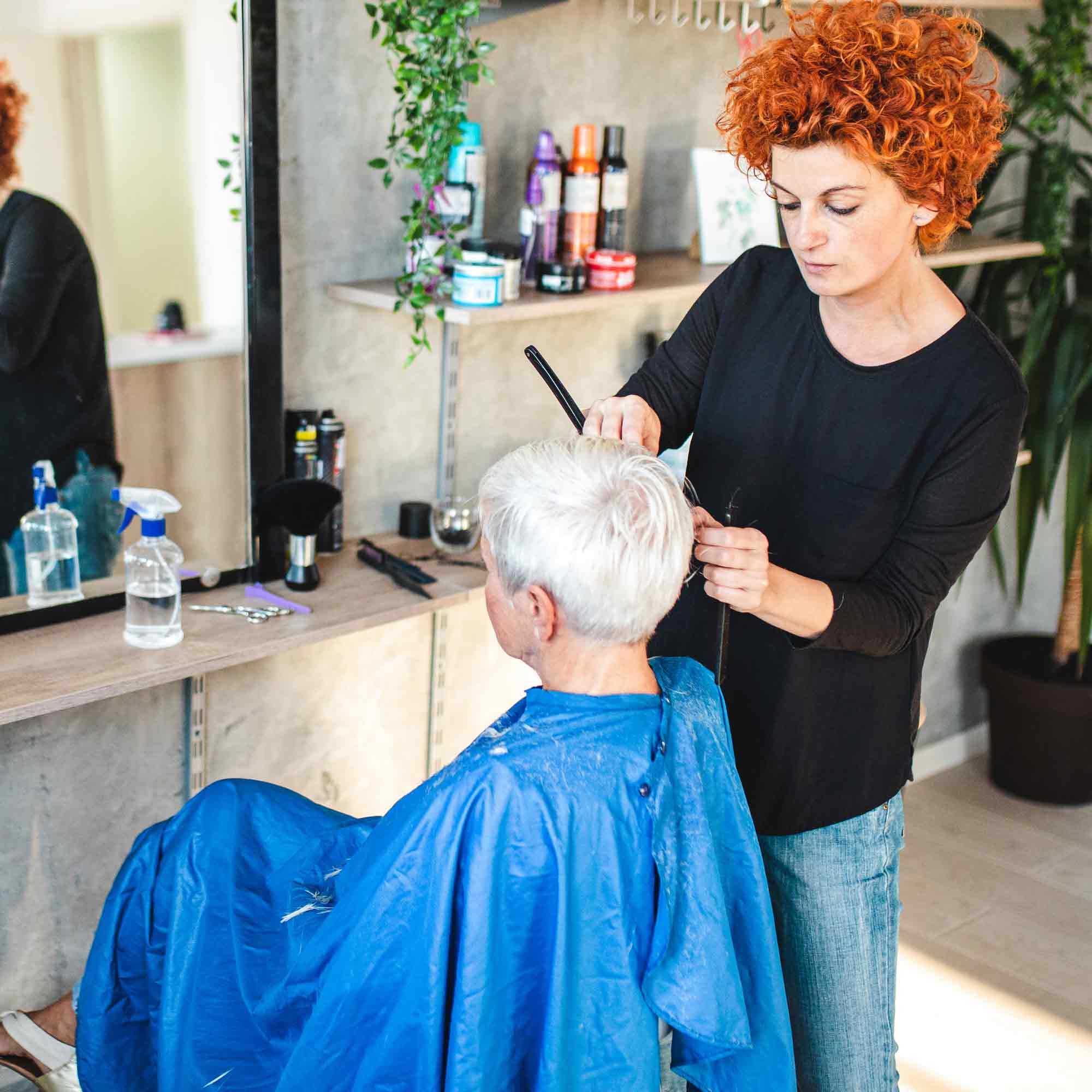 Assisted Living and Memory Care Amenities & Services Hair Cut - The Pinnacle of Oxford